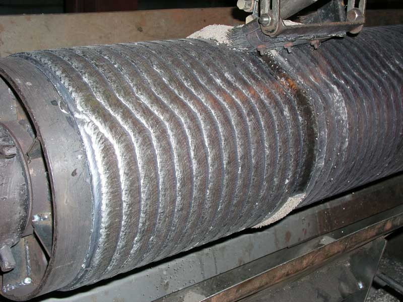 The process of hardfacing of mill rolls by arc welding with flux-cored wire Weltec-N470 using АN-26p flux